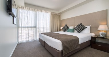 King Deluxe Apartment City View - Empire Rockhampton